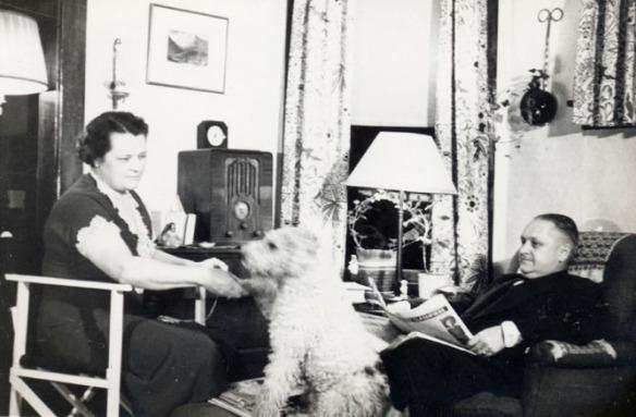 florence roy dog radio