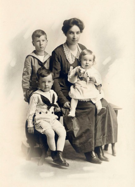 Ruth B. Claycomb with John, Frank, and George. 1918