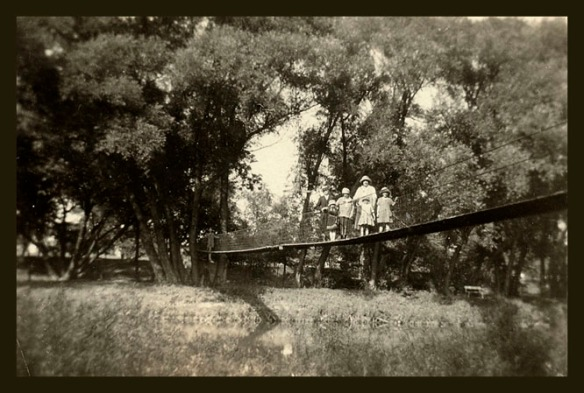 TLD girls AIO bridge abt 1919
