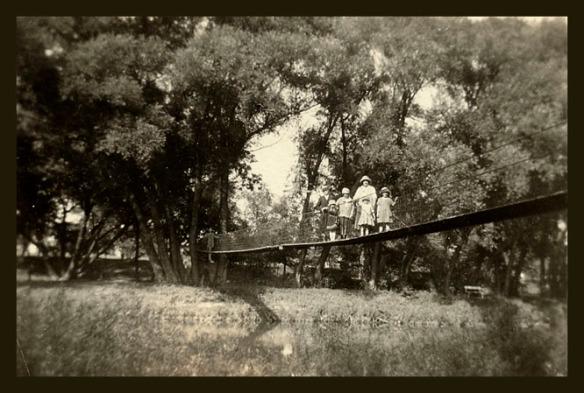 TLD girls AIO bridge abt 1919