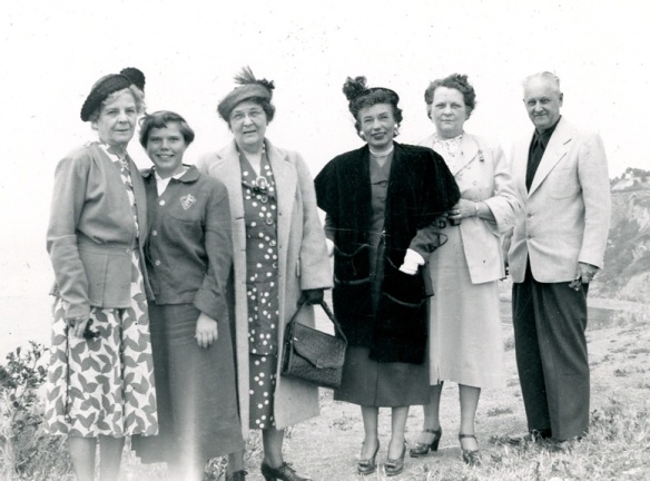 L-R: Unknown, Unknown, Edith Huckins Norris, Unknown, Florence Huckins Duncan, Thomas Leroy Duncan. Early 1950s?