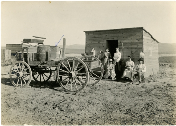 John T. Bressler homestead, Hollister, Idaho, June 1911. L-R:  Mrs. Hattie Craven, Mrs. Julia Fair Bressler, Dorothy Bressler, Ruth Bressler, John T. Bressler.