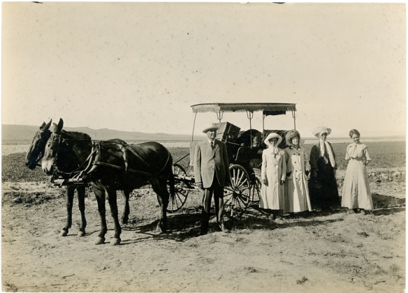 Holllister, Idaho, June 1911.  Mrs. Julia Fair Bressler and Dorothy Bressler leaving for Idaho Falls. L-R:  John T. Bressler, Dorothy Bressler, Mrs. Julia Bressler, Ruth Bressler, and Mrs. Hattie Craven.